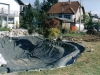 Izdelava vecjega ribnika (folija obtezena z vodo )